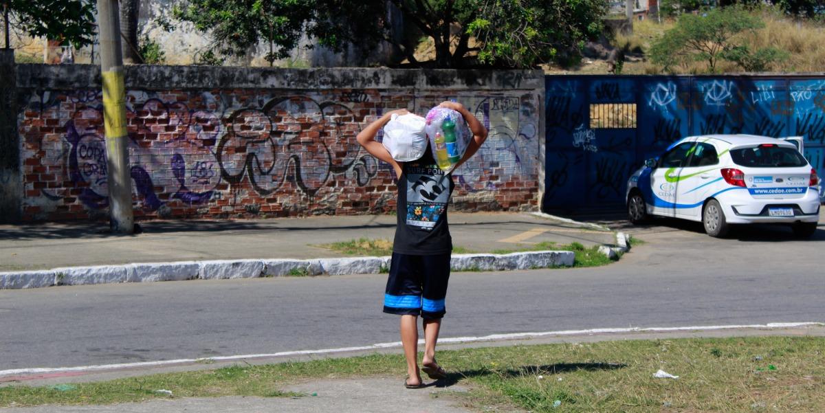 SuperVia e Unicef - Distribuição de kits na Pedreira